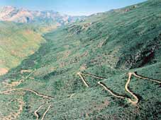 Route 62 Tours - Oudtshoorn > Le Swartberg Pass > Beaufort West