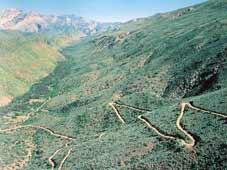Route 62 Tours - Oudtshoorn > Le Swartberg Pass > Beaufort West